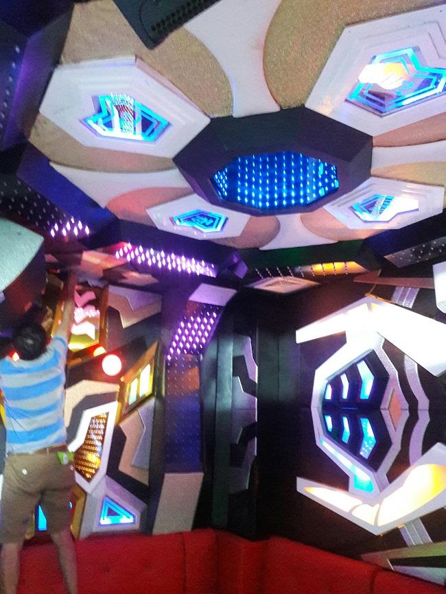 mau-phong-hat-karaoke-vip-dep-104