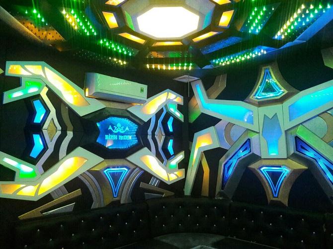 mau-phong-hat-karaoke-vip-dep-157