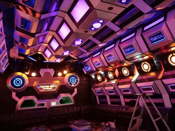mau-phong-hat-karaoke-vip-dep-171