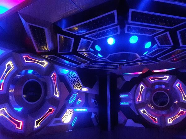 mau-phong-hat-karaoke-vip-dep-58