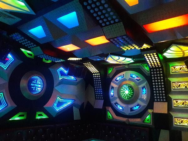 mau-phong-hat-karaoke-vip-dep-94