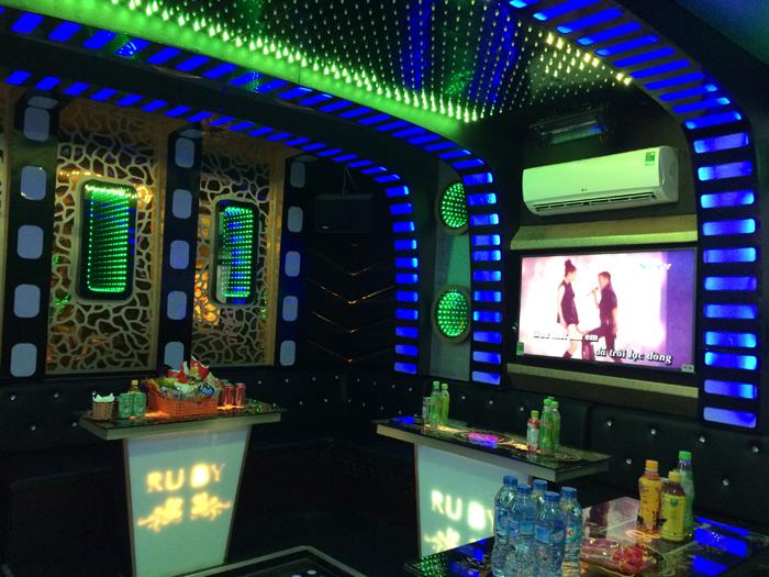 Mẫu phòng karaoke đèn led