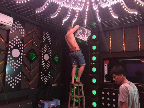 thi-cong-phong-hat-karaoke-re-dep-4