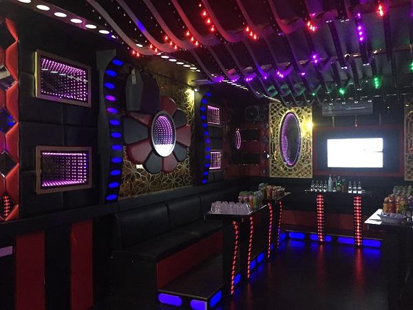 thi-cong-phong-hat-karaoke-re-dep-acb-16