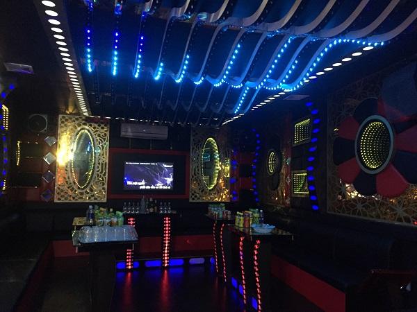 thi-cong-phong-hat-karaoke-re-dep-acb-27