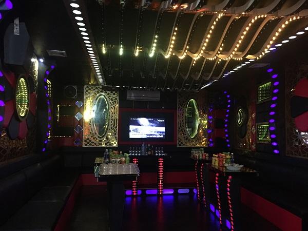 thi-cong-phong-hat-karaoke-re-dep-acb-29