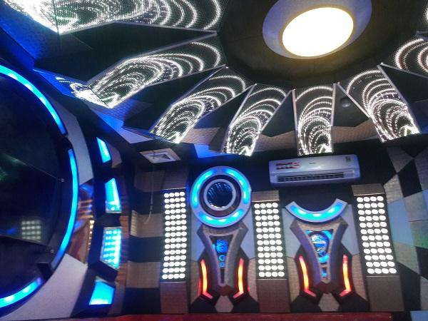 thiet-ke-karaoke-dep-re-50