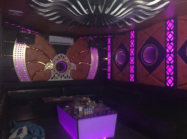 thiet-ke-thi-cong-noi-that-karaoke-dep-33